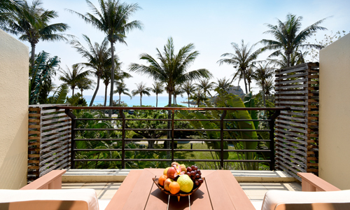 Azure sea, waving coconut palms and verdant hills – Luxuriate in Kenting's beautiful views